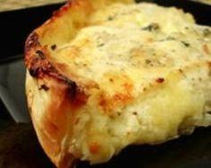 Quiche sans pâte au roquefort et cerneaux de noix (facile, rapide) - Une recette CuisineAZ