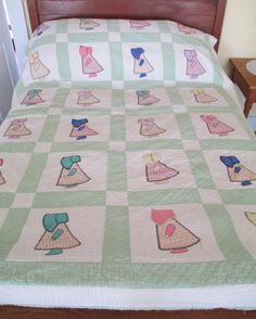 Antique Hand Quilted Sunbonnet Sue Quilt Appliqued Vintage 1930's Cotton Fabrics Upcycle Cutter Sewing Project