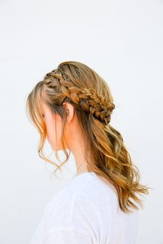 I Can See Your Halo, Halo: A Half Halo Braid Tutorial in 10 Minute or Less