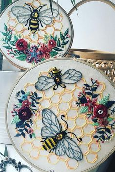 embroidery inspiration / embroidery + embroidery patterns + embroidery inspiration + embroidery designs + embroidery for beginners + embroidery stitches + embroidery flowers + embroidery hoop art Simple Embroidery, Hand Embroidery Stitches, Modern Embroidery, Embroidery Hoop Art, Hand Embroidery Designs, Vintage Embroidery, Embroidery Ideas, Embroidery Tattoo, Creative Embroidery