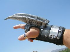 THE CLAW, a zombie slicing wrist blade glove.    diesel punk,steam punk,cyber gothic,halo,zombie,victorian millitary,sci fi.
