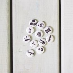 Aren't these #sewist buttons just adorable? Every time we mention these they fly out. We can't order them fast enough! They're just so perfect. Pick up the whole collection in the shop now! Link in the bio