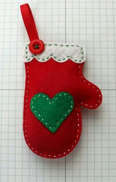 Your place to buy and sell all things handmade DIY Cozy Red Mitten Ornament KIT by StampandScrap on Etsy Christmas Sewing, Christmas Crafts For Kids, Homemade Christmas, Christmas Projects, Christmas Fun, Holiday Crafts, Felt Projects, Rustic Christmas, Christmas Pudding