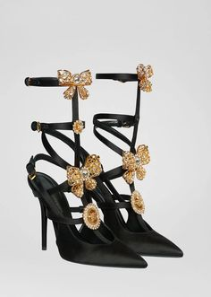 V-Bow Cage Pumps from Versace Women's Collection. These heritage cage pumps are crafted from soft satin and embellished with crystal-enriched accents, including bows and Medusa medallions. Women's Shoes, Shoes 2018, Me Too Shoes, Shoe Boots, Flat Shoes, Shoes Style, Shoes Sneakers, Platform Shoes, Top Shoes