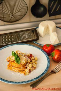 """Ricette di Cultura: Spaghetti """"alla Norma"""", with red eggplants from Rotonda (PZ), Italy"""