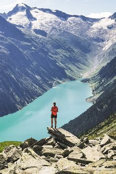 The reservoir Schlegeis-Speicher in Zillertal is a perfect starting point for a plenty of paths leading to your final hiking desti­nations. Berg, Hiking Trails, Paths, Mount Everest, Mountains, Travel, Viajes, Destinations, Traveling