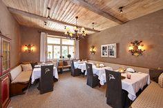 Besondere Anlässe verlangen nach besonderen Orten. ~ Special occasions demand for special locations.