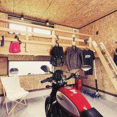 Garage Workshop Organization, Motorcycle Garage, Man Cave, Loft, House Design, Motorbikes, Lofts, Architecture Design, House Plans