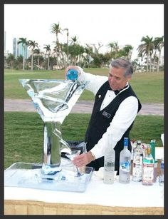 Cocktail hour may be quite entertaining with this martini bar service with signature drinks. Can't wait for that first icy sip! Wedding food bar Build Your Own Martini Bar: Glam Wedding Ideas on a Budget! Martini Bar, Espresso Martini, Reception Food, Wedding Reception, Wedding Ideas, Boho Wedding, Dream Wedding, Wedding Decorations, Cocktail Shaker