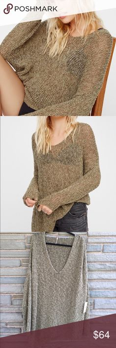 Free People Vertigo Pullover NWT. Free People Vertigo Pullover in Moss. Scoop Neck. Asymmetrical Hem. Open Slit on One Side. Loose Fit. Size M Free People Sweaters