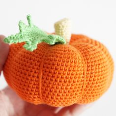 Knitting Patterns Toys Make a Knit Pumpkin Childrens Toy - DIY Crafts - Guidecentral Knitting Patterns Boys, Crochet Patterns, Knitting Toys, Crochet Food, Free Crochet, Knitted Hats, Crochet Hats, Crochet Animals, Amigurumi For Beginners