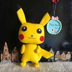 Pikachu em feltro