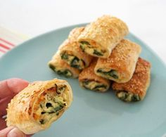 If you thought we couldn't improve on our Spinach and Ricotta Roll recipe, wait until you try these Thermomix Spinach and Cheese Rolls! Yummy Snacks, Healthy Snacks, Healthy Mummy, Clean Recipes, Cooking Recipes, Keto Recipes, Homemade Sausage Rolls, Home Made Sausage, Spinach And Cheese