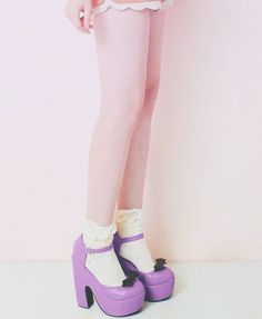 .I have to find thes shoes for Sophia!!!