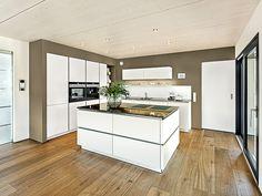 Architect house Image 6765 Source by jungshisempo Handleless Kitchen, Black Kitchen Cabinets, Kitchen Cabinet Design, Black Kitchens, Modern Kitchen Design, Home Kitchens, Kitchen Furniture, Kitchen Interior, Diy Kitchen