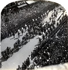 Gun carriage bearing the coffin, followed by the royal charger, funeral of his late Majesty King Edward of England, London, May, 1910. | Early Pictures