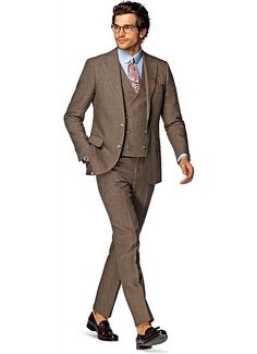 This light brown Lazio is as edgy as it is elegant. Tailored to a slim fit from pure lightweight linen by Ormezzano, this fresh suit features flap pockets, notch lapel, lightly padded shoulder and an accompanying double-breasted waistcoat. Tailored Jacket, Suit Jacket, Brown Suits For Men, Double Breasted Waistcoat, Formal Suits, Groom Outfit, Groom Style, Smart Casual, Mens Suits