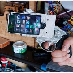 iPhone 4 Gun case... and many more wacky apple products! :D