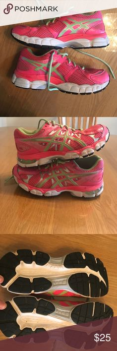 LIKE NEW GEL NIMBUS ASICS Like new. Worn a few times. Almost no wear/tear on the tread. Good for running or working out. *PLEASE NOTE, IN THE SHOE IT SAYS 6.5 BUT ITS UNISEX SIZING. PLEASE SEE CM FOR REFERENCE. THIS IS A MENS 6.5 WOMENS 8***** Asics Shoes Sneakers