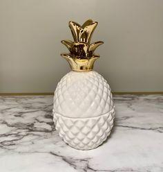 Ceramic Pineapple Container - White with Gold top Gold Top, Pineapple, Handmade Items, Container, Vase, Ceramics, Vintage, Home Decor, Ceramica