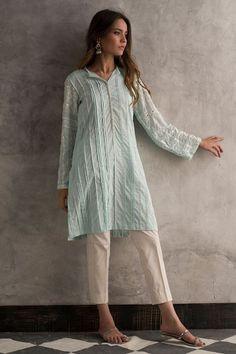 Pakistani Fashion Casual, Pakistani Dresses Casual, Pakistani Dress Design, Casual Dresses, Indian Fashion, Tunic Dresses, Pakistani Couture, Indian Couture, Muslim Fashion