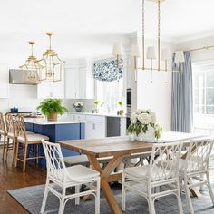 Kitchen Chairs, Kitchen Dining Room Combo, Coastal Dining Room, Beach House Kitchens, White Dining Room, Dining Room Combo, Home Kitchens, Coastal Farmhouse Kitchen, Dining Room Blue