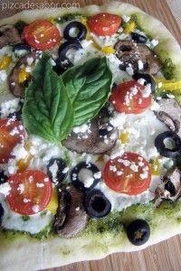 Pizza vegetariana con pesto – Pizca de Sabor