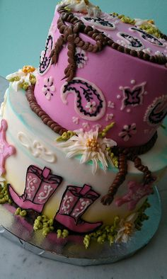 cowgirl cake. @Tamara Walker Walker Carpenter this reminded me of you :) are you still doing this theme for Tab?