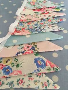 Patchwork and lace makes is part of Cath kidston fabric - patchworkandlace Fabric Garland, Bunting Garland, Fabric Bunting, Bunting Ideas, Lace Bunting, Vintage Bunting, Bunting Pattern, Buntings, Fabric Crafts