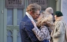AnnaSophia Robb locks lips with Austin Butler on The Carrie Diaries set -     AnnaSophia Robb looked like she was getting up close and personal with Austin Butler in New York.   Filming scenes for The Carrie Diaries, the pair was snappe