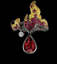Jewellery Theatre: Jewellery Elements Ring,18K Yellow Gold. 1 diamond 0,06-0,08 ct 52 yellow diamonds 0,53-0,56 ct 1pear ruby 2,0-2,03 ct 75 rubies 0,87-0,9 ct