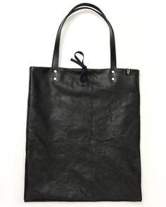 Love love love this bag.