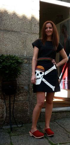 Sandra Rapaza Ela Diz, dress by Chula, clogs by Eferro