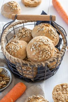 Wenn dein Bruder dich fragt wo man leicht die Brötchen gekauft hat, dann ist das entweder gut oder schlecht. Wenn … Muffins, Bread, Baking, Breakfast, Sweet, Recipes, Food, Vegan Baking, Whole Wheat Flour