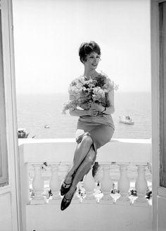 Sophia Loren - Cannes 1959 http://evikaratzaadores.com