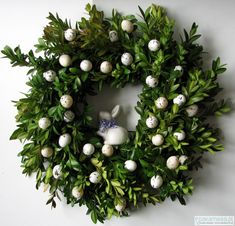 Easter Wreaths, Christmas Wreaths, Easter 2020, Door Wreaths, Happy Easter, Easter Eggs, Diy And Crafts, Projects To Try, Holiday Decor