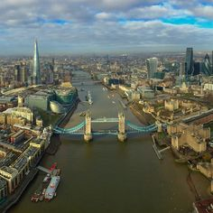 #London this morning. #river #bridge #city #skyscrapers #instalike #instafollow #instalondon
