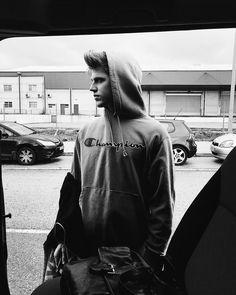 "Miguel Bernardeau on Instagram: ""🤪"" Beautiful Boys, Beautiful People, Stupid Girl, Stylish Boys, Miguel Angel, Hot Boys, Cute Guys, Celebrity Crush, Actors & Actresses"