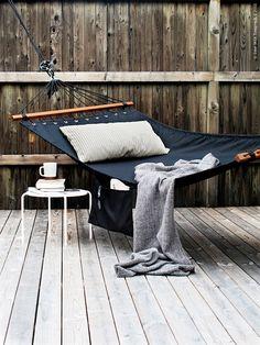 Black hammock - I like that it's a bit structured
