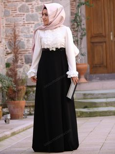 Ön Kısmı Fırfırlı Elbise - Ekru