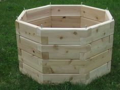 Handcrafted Vermont Cedar Products: window box and cedar raised garden bed kits. Raised garden beds and window boxes made to custom sizes to suit your needs. Window box and raised garden bed made in Vermont Cedar Raised Garden Beds, Cedar Garden, Raised Beds, Wooden Planters, Planter Boxes, Diy Garden Projects, Wood Projects, Garden Retaining Wall, Outdoor Furniture Plans