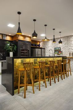 Bar Counter Design, Ice Cream Business, Barbacoa, Open Kitchen, Interior Design Kitchen, Restaurant Bar, Table, Furniture, Home Decor