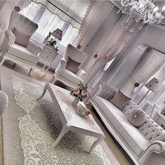 Living Room Interior, Living Room Decor, Living Room Accents, Elegant Living Room, Classic Furniture, Interior Exterior, Home Decor Furniture, Living Room Designs, New Homes