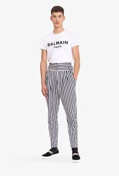 Mens High Waisted Trousers, Men Trousers, High Waist Pants, Drop Crotch Jeans, Trendy Mens Fashion, Androgynous Fashion, Vintage Pants, Well Dressed Men, Fashion Pants