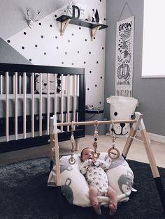 Black crib, wall paint design #interiordesgin #kidsroom #babyroom #genderneutral #monochrome #blackandwhite