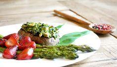 Paleo-Steak mit Bärlauch-Kruste