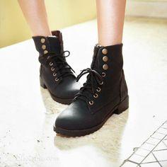 Comfortable Black Flat Boots
