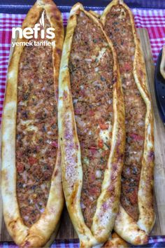 Kıymalı Pide - Nefis Yemek Tarifleri - #7478834 Sausage, Meat, Ramadan, Pizza, Recipes, Sausages