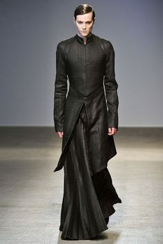 lotrfashion:  Mourning gown for Thranduil - Gareth Pugh  Fitted wizards' dress robes.