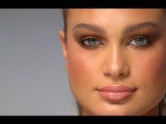 ▶ The Dolce Vita - 10 iconic looks - Charlotte Tilbury - YouTube